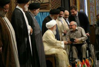 اعطای نشان خیّر و کارآفرین برتر مهدوی به مدیر عامل فیروز
